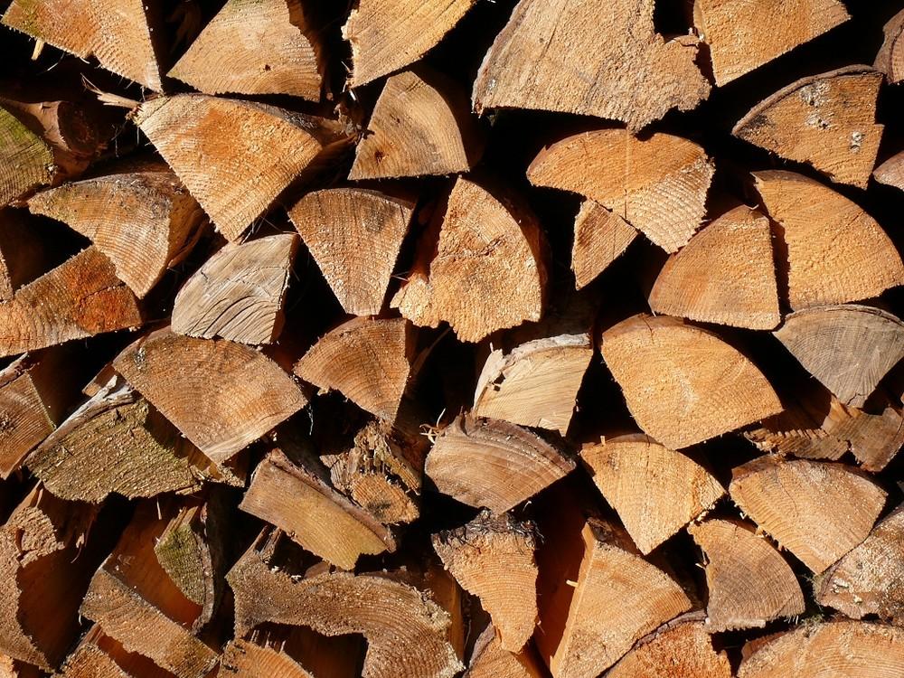 Brennholz aus den Wäldern rund um Wolfach im Kinzigtal, Schwarzwald