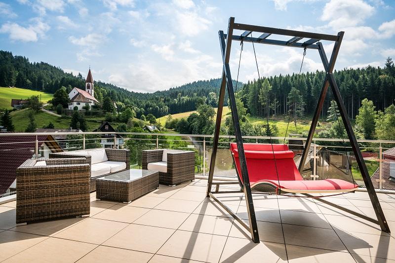 Terrasse des Naturparkhotels Adler Sankt Roman bei Wolfach im Kinzigtal, Schwarzwald