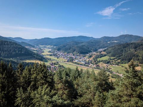 Panoramablick auf die Bollenhutgemeinde Gutach