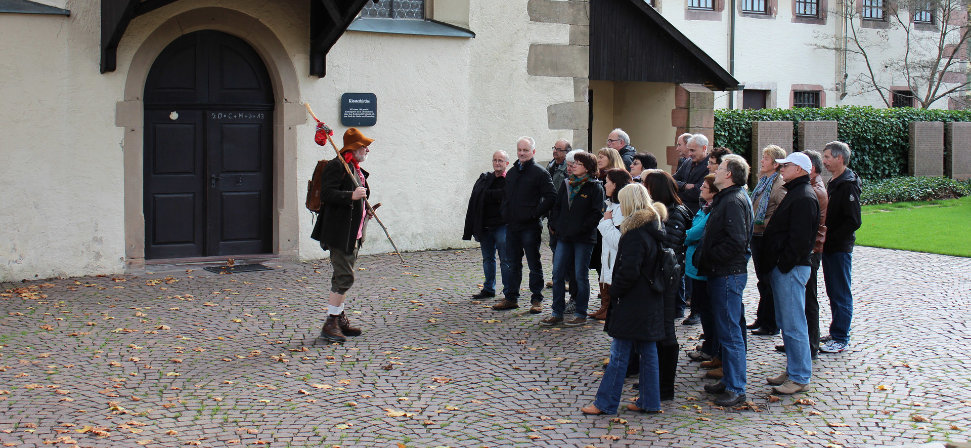 Stadtführung mit dem Sauhirtvor der Klosterkirche