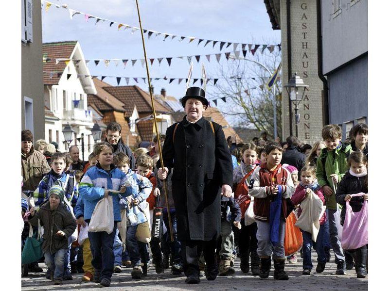 Traditioneller Storchentag in Haslach